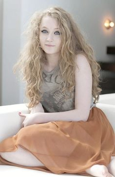Janet Devlin from X-factor.  why can't my frizzy hair look like hers...