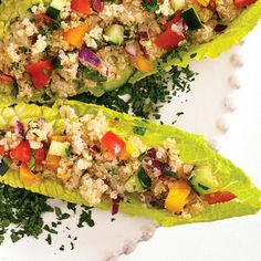Tabbouleh Salad with Quinoa and Fresh Veggies - Hearty Lunch Option Healthy Living Recipes, Veggie Recipes, Salad Recipes, Vegetarian Recipes, Veggie Dishes, Healthy Salads, Healthy Eating, Healthy Food, Yummy Food
