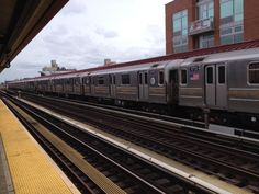 7 train at the 74th Street Street station in Jackson Heights, #Queens #NYC #Outerboros #transit