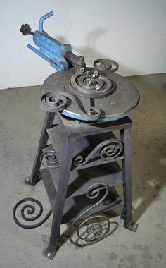 Blacksmithing as a hobby Metal Bending Tools, Metal Working Tools, Metal Tools, Metal Projects, Welding Projects, Metal Crafts, Metal Fabrication Tools, Metal Bender, Iron Gate Design