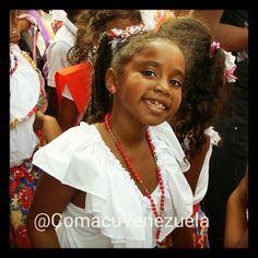 Esta hermosa niña posó especialmente para nosotros, en el Encierro de San Juan, en Tacarigua, Edo. Miranda, el pasado 25 de Junio de 2014.