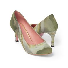 #FashionShoes #WomanShoes #HighHeels #ShoesForSale #CasualFashion