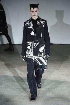 Undercover Spring 2019 Menswear Paris Collection - Vogue
