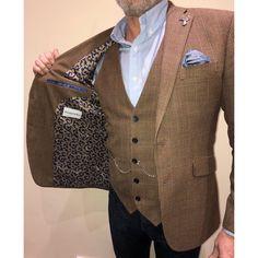 Bespoke brown tweed jacket & waistcoat with paisley lining Summer Wedding Suits, Wedding Suit Hire, Best Wedding Suits, Summer Suits, Groom Wedding Pictures, Wedding Groom, Wedding Men, Tweed Suits, Mens Suits