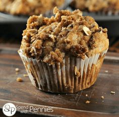 Raves—GF Banana Nut Crunch Muffins are our favorite muffins! Sub any 1 to 1 GF Flour Mix? moist muffins are topped with a deliciously sweet & crunchy pecan streusel! Banana Nut Crunch, Banana Oat Muffins, Apple Cinnamon Muffins, Banana Bread With Pecans, Cinnamon Bananas, Diabetic Snacks, Healthy Snacks For Diabetics, Diabetic Breakfast, Diabetic Recipes