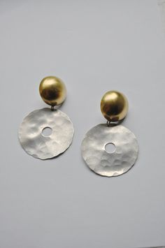 A lovely large pair of dramatic earrings by the talented New York Modernist Jeweler Roz Balkin.