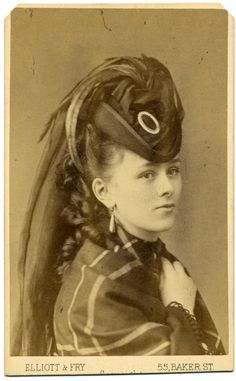 Portrait of a young woman, England, 1875 1870s Fashion, Edwardian Fashion, Vintage Fashion, Victorian Hats, Victorian Women, Reine Victoria, Baker Street, Fashion Tips For Women, Historical Clothing