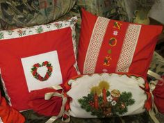 Christmas time ! Christmas Time, Christmas Stockings, Cross Stitch, Pillows, Holiday Decor, Home Decor, Christmas, Crossstitch, Punto Croce
