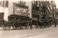Geheugen van Oost - Middenweg 14 - 16 Busy Street, I Amsterdam, Life Goes On, Movie Theater, Old Pictures, 17th Century, Ferdinand, Facade, Transportation