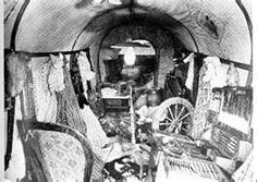 A Rare View INSIDE A Covered Wagon Photos) - One of the more unique periods in American History is the Great Westward Migration. Us History, American History, History Education, History Photos, Native American, American Symbols, Teaching History, Early American, American Women