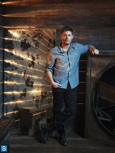 Jensen Ackles  THE BACKGROUND MAKES IT LOOK LIKE HE HAS WINGS!