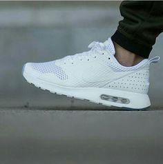 new product 36c22 2e110 Nike Air Max Tavas