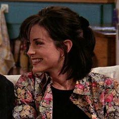 laugh – Skin Care is important Serie Friends, Friends Cast, Friends Moments, Friends Tv Show, Best Tv Shows, Best Shows Ever, Monica Friends, Monica And Chandler, Tv Show Outfits
