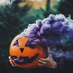 purple smoke bomb pumpkin halloween smoke grenade photography Source by bumblemyass Halloween Tags, Halloween Chic, Happy Halloween, Casa Halloween, Halloween 2019, Holidays Halloween, Halloween Pumpkins, Halloween Crafts, Halloween Decorations
