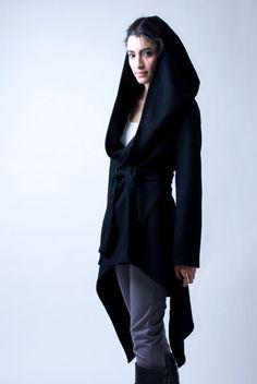 Black Coat with a Hood / Asymmetrical Hoody Cardigan / Sweater Hoodie / Black Jacket / Asymmetric Stylish Jacket / marcellamoda - Looks Style, My Style, Asymmetrical Sweater, Langer Mantel, Stylish Jackets, Sweater Jacket, Hooded Cardigan, Hooded Jacket, Hooded Coats