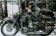 Kradmelder - BMW R12 - Ostfront I bet that ole boy wishes be could roll the windows up