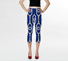 Chain Links crop leggings by Bunhugger Design #patterns #chainlink #navyblue #leggings #modern #fashion