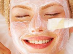 No hay nada más refrescante para el rostro que una mascarilla natural: hidrata, elimina las células muertas de la piel, y reafirma las líneas de expresión.