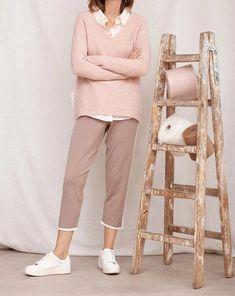 Jersey Edmont Boutique, Capri Pants, Khaki Pants, Fashion, Templates, Knit Jumpers, Clothing, Moda, Capri Trousers