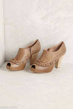 NIB NEW Anthropologie Ruffled Shooties By Miss Albright, Sz US 6, Brazil, 5 Star #Anthropologie #Shootes