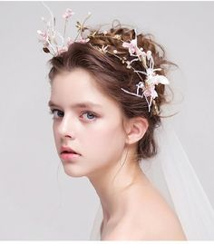 Explore 56 Easy And Gorgeous Wedding Hairstyles With Hair Accessories 2019 Bridal Necklace, Bridal Jewelry, Bridal Hair Accessories, Bride Hairstyles, Bridal Headpieces, Bridesmaid Hair, Hair Piece, Hair Jewelry, Beautiful