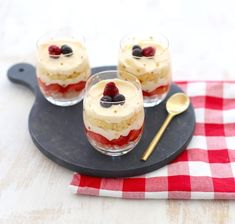 A Food, Food And Drink, Delicious Desserts, Dessert Recipes, Beautiful Soup, Trifle, High Tea, No Bake Cake, Sweet Tooth