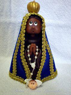 Nossa Senhora Aparecida modelada em biscuit com características infantis.  Elo7 - Atelier Claudia Aparecida