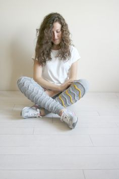 Gray Knitted Stretch Tight  Pants Yellow ZigZag por FunnyBear