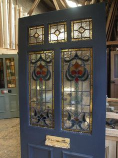 Recycled Glass art DIY - Glass art Reference - Stained Glass art For Beginners - Fused Glass art Garden Stakes - Glass art Projects Modern Stained Glass, Stained Glass Door, Stained Glass Panels, Fused Glass, House Front Door, Glass Front Door, Sliding Glass Door, Glass Doors, Broken Glass Art