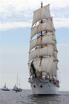 Grosssegler_Dar_Mlodziezy_Hanse_Sail-520x780.jpg (520×780)