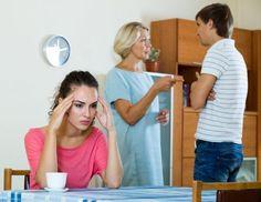 Cómo lidiar con un hombre con mamitis  #HombreConMamitis #Mamitis #parejas #relacionessanas #RolDeLaSuegra #Suegra http://us.emedemujer.com/relaciones/vida-en-pareja/como-lidiar-con-un-hombre-con-mamitis/