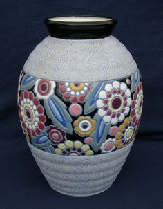 Art Nouveau Amphora vase--great inspiration for a mosaic-perhaps for the dining area counter top I am planning to do. Pottery Painting, Pottery Vase, Ceramic Pottery, Decoration Table, Vases Decor, Wall Vases, Ikea Vases, Art Nouveau, Wooden Vase