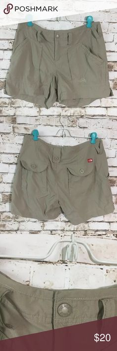 The north face Sz 6 hiking outdoor nylon shorts Great excellent condition!! Waterproof The North Face Shorts