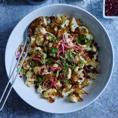 Curried Cauliflower with Pickled Onions and Pomegranate Vegetarian Cooking, Vegetarian Recipes, Cooking Recipes, Healthy Recipes, Curried Cauliflower, Cauliflower Dishes, Pomegranate Recipes, Veggie Delight, Pickled Onions