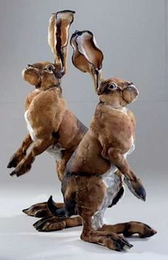 Elaine-Peto-Twin-bunnies-ceramic-hares