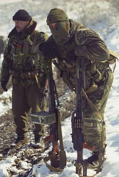 Spetsnaz GRU operators, date and location unknown. Seen left; Anatoly Vyacheslavovich Lebed, Hero of the Russian Federation