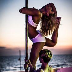 Pole dance show in The Beach in Anzio (RM)