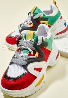 Gümüş ipli sarı, yeşil, beyaz, siyah ve kırmızı detaylı şık spor ayakkabı modeli Balenciaga, Sneakers, Shoes, Fashion, Tennis, Moda, Slippers, Zapatos, Shoes Outlet