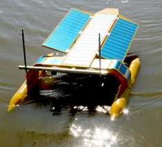 Chasing down ocean pollution using solar power