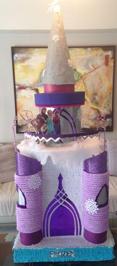 Piñata castillo frozen