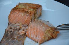 Gemarineerde zalm in mosterd-honing marinade voor op de BBQ