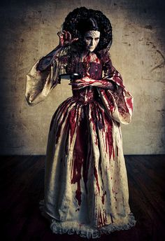 Bloody Mary The 5 Most Notorious Urban Legends Gothic Halloween Decorations, Halloween Costumes Women Scary, Best Friend Halloween Costumes, Costumes For Women, Halloween Makeup, Halloween Party, Creepy Costumes, Halloween Magic, Halloween 2017