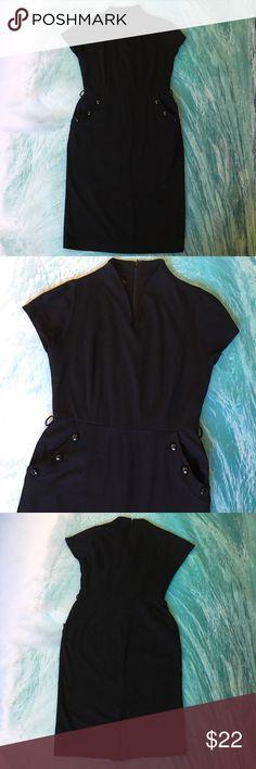 🌷A little black dress🌷😉 Super cute with pockets and a unique neckline😊🌷💕💗🌸 some pilling 💗 Jones Wear Dress Dresses Midi