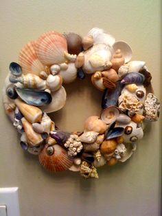 A smaller sea shell wreath