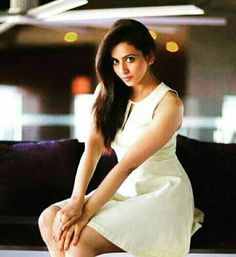 Indian Actress Photos, South Indian Actress, Indian Actresses, Very Pretty Girl, Hollywood Girls, Indian Fashion, Women's Fashion, Celebs, Celebrities