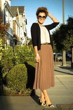 love the colors and the pleated skirt