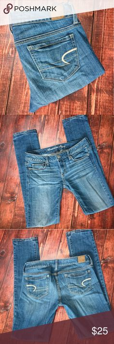 """AE Stretch Skinny Jeans Light to medium wash, stretch skinny jeans from American Eagle. EUC. No flaws or fraying. Size 2 regular. Inseam 31"""" American Eagle Outfitters Jeans Skinny"""