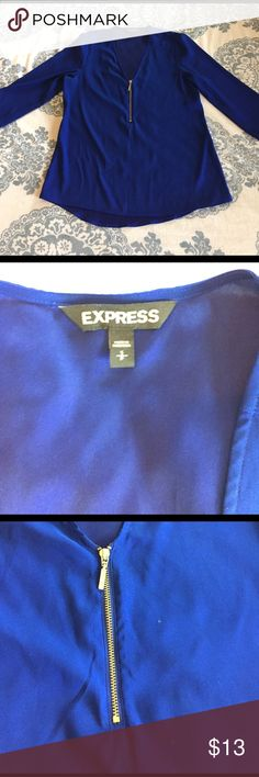 Express Women's Blouse - Small Excellent condition Women's Express Blouse in a size small. The fabric is very silky and super light for the summer. This blouse is 3/4 sleeves and has a cute gold zipper. Express Tops Blouses