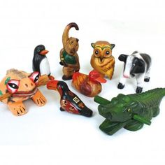 A gorgeous selection of 8 instruments from around the world, with a fun animal theme. Includes: frog and crocodile guiros; noisy cow, monkey and penguin; animal ocarina, duck sounder and hooting owl