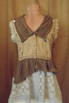 Lagenlook Victorian Design Romantic Vintage Lace Embroidered Ruffle Vest Jacket Upcycled Size M